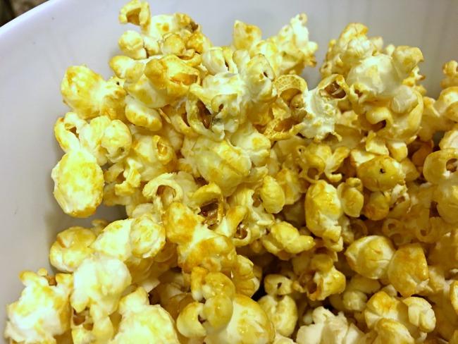 How to make kettle corn at home - livingmividaloca.com