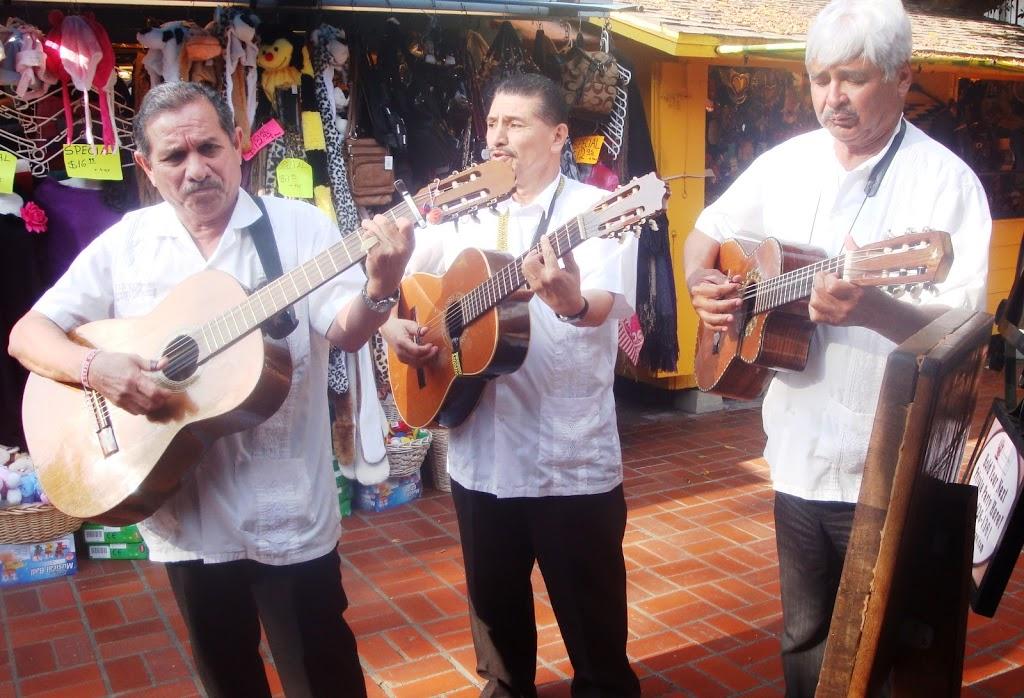 musicians at Placita Olvera