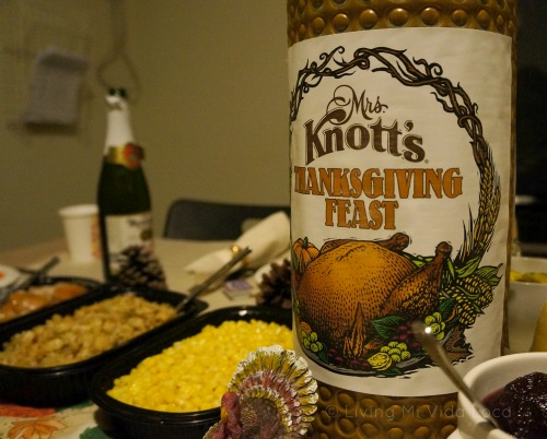 Knott's Berry Farm Thanksgiving dinner - LivingMiVidaLoca - #LivingMiVidaLoca #KnottsBerryFarm #Thankskgiving