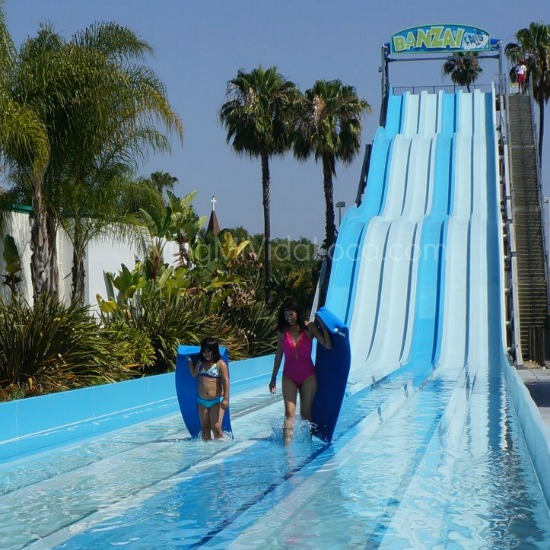 Knott's soak city packing list