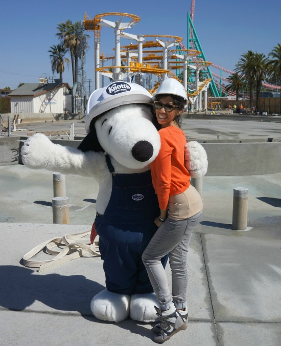 Snoopy in construction outfit