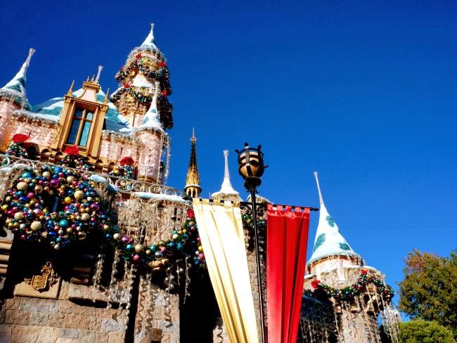 """""""A Christmas Fantasy"""" parade at Disneyland Resort - LivingMiVidaLoca.com"""