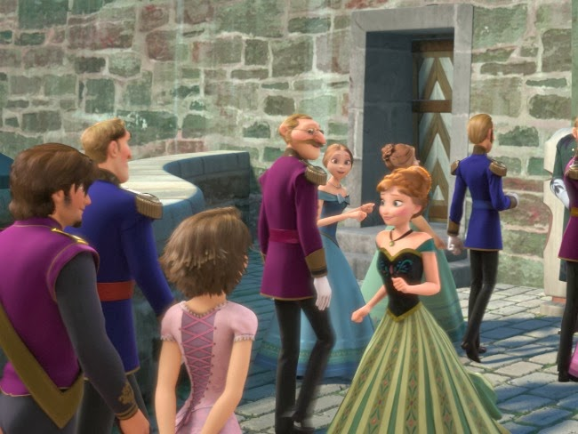 Rapunzel hiddgen Easter eggs in Disney's Frozen -- livingmividaloca.com #DisneysFrozen
