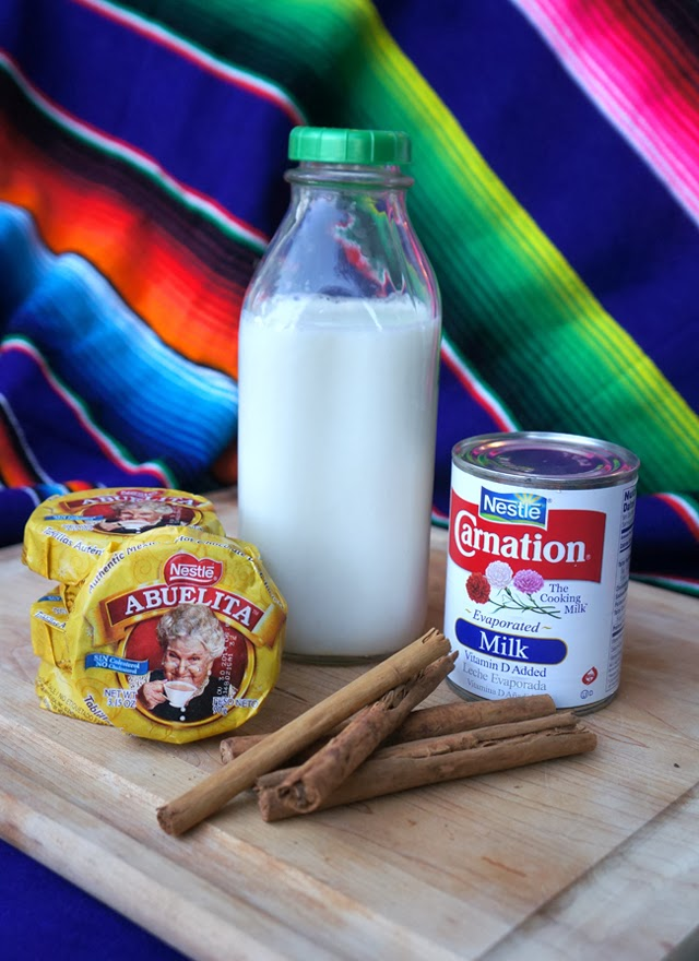 Mexican Hot Chocolate Recipe you can make at home | livingmividaloca.com | #livingmividaloca #mexicanhotchocolate #chocolateabuelita #traditionalmexicanrecipe #hotchocolaterecipe