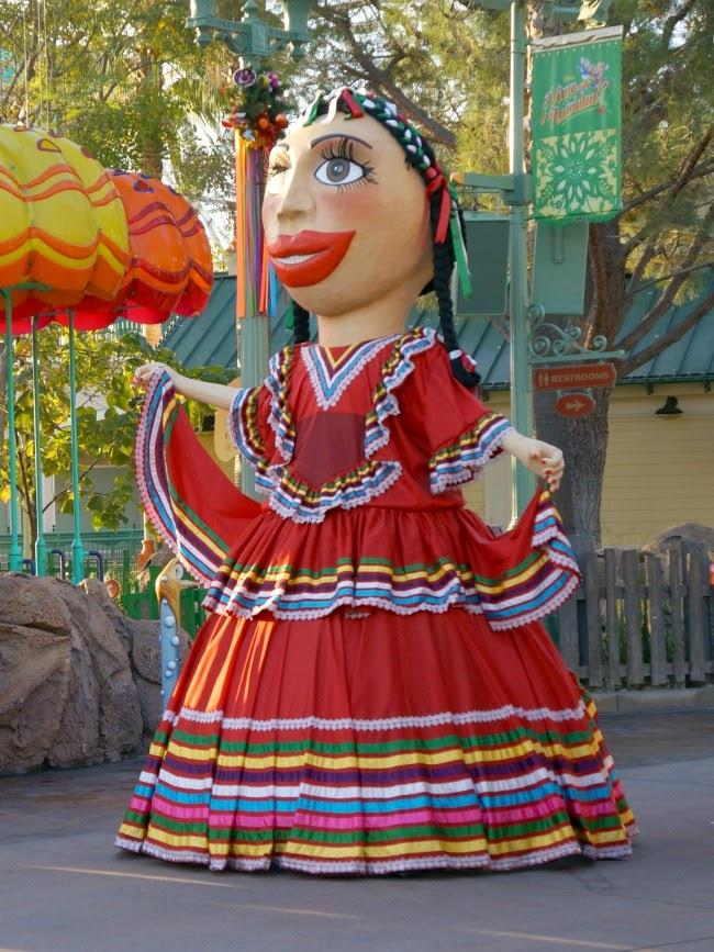 Mojiganga puppet
