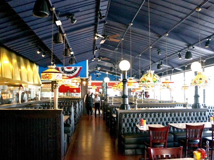family friendly restaurants in orange county | livingmividaloca.com #farrells