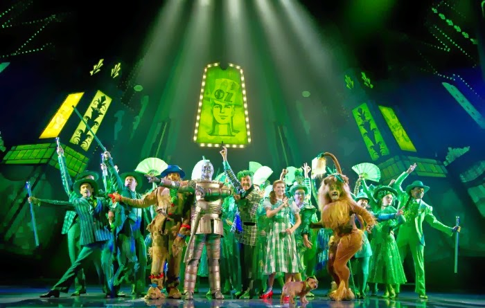 Emeral City in The Wizard of Oz musical | LivingMiVidaLoca.com #WizardOC