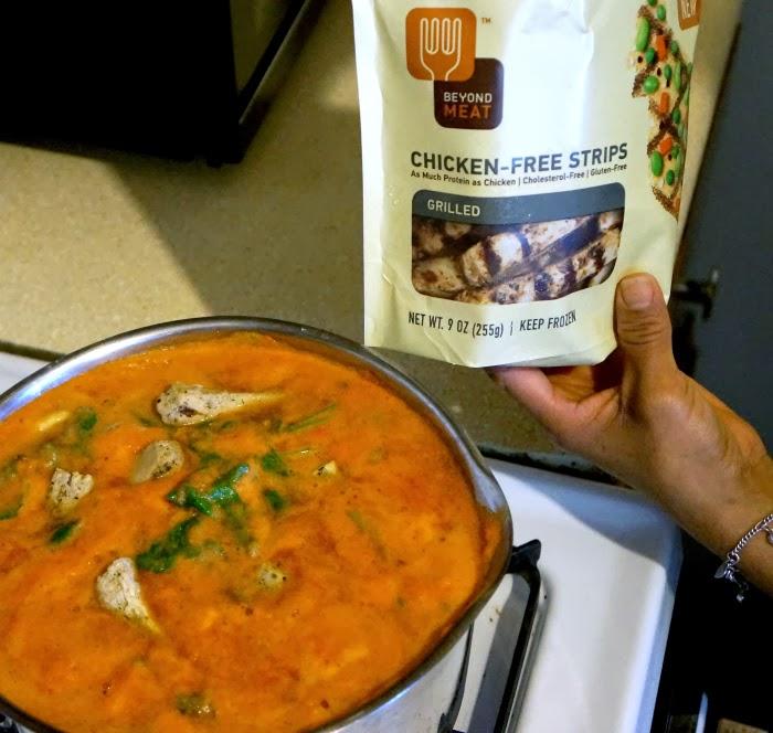 Easy vegetable soup recipe using beyond meat chicken-free-strips | livingmividaloca.com