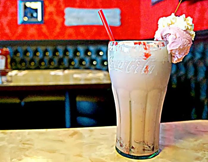 Strawberry ice cream soda from Farrell's | livingmividaloca.com #farrells