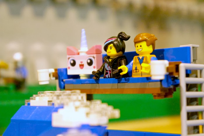The LEGO Movie Set with Emmet and Wyldstyle and Unikitty