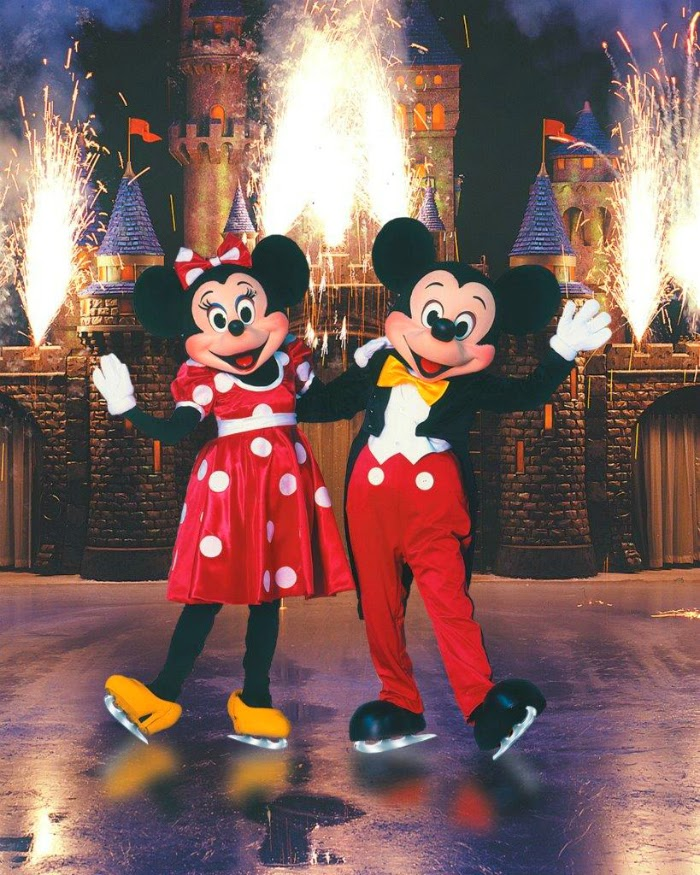 Mickey Mouse and Minnie Mouse on Disney on Ice // livingmividaloca.com