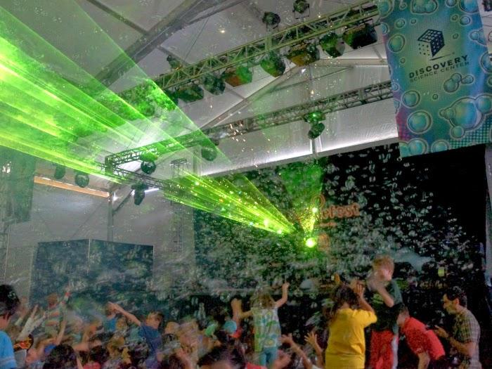 Mega Bubblefest Laser Show at Discovery Science Center // livingmividaloca.com #bubblefest