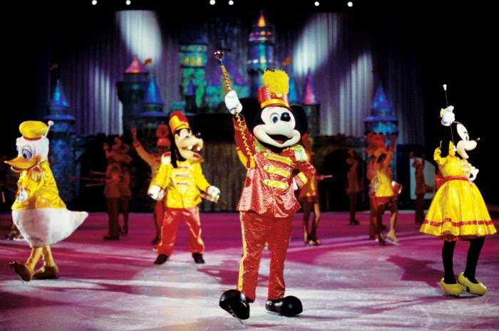 Disney on Ice celebrates 100 Years of Magic // livingmividaloca.com