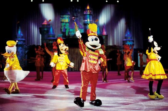 Disney on Ice celebrates 100 Years of Magic // livingmividaloca.com