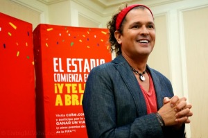"""Carlos Vives' """"La Copa De Todos"""" // livingmividaloca.com #CokeSoccerGame"""