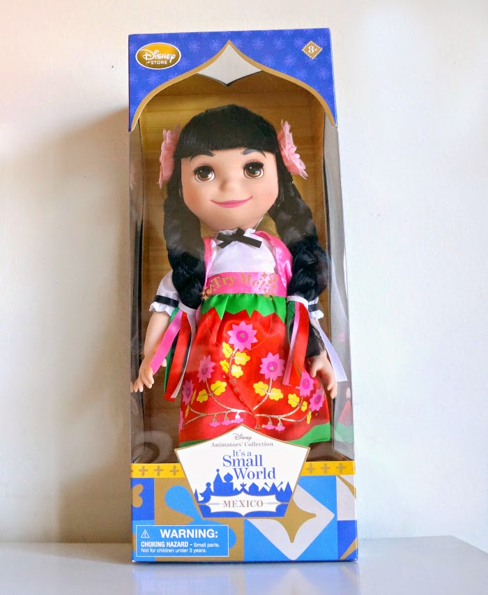 ''it's a small world'' Mexico Singing Doll at Disney Store // livingmividaloca.com