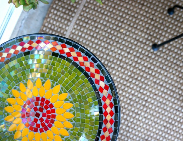 Sunflower Mosaic Accent Table from Pier 1 Imports // livingmividaloca.com #Pier1Outdoors #ad