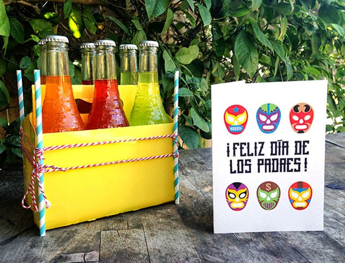 Spanish Father's Day Card printable and gift idea // LivingMiVidaLoca.com #FathersDay