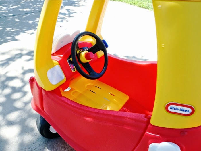 little tikes Cozy Coupe floor board // livingmividaloca.com