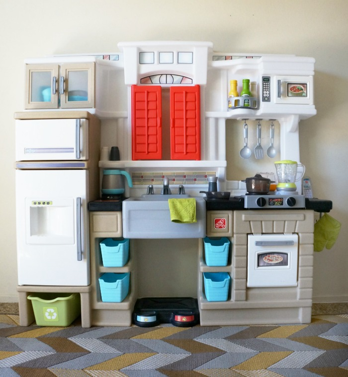 Pretend Play Made Better With Step2 Mixin Up Magic Kitchen
