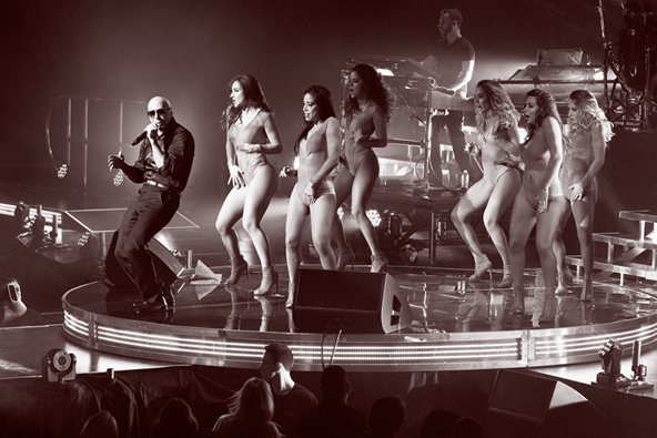 Pitbull with backup dancers