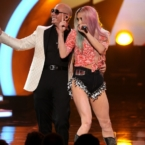 Pitbull performs during the AMA's 2013 // livingmividaloca.com