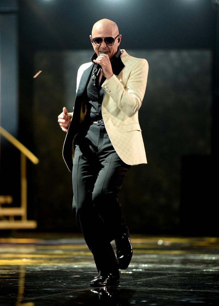 Pitbull to host 2014 AMAs // livingmividaloca.com