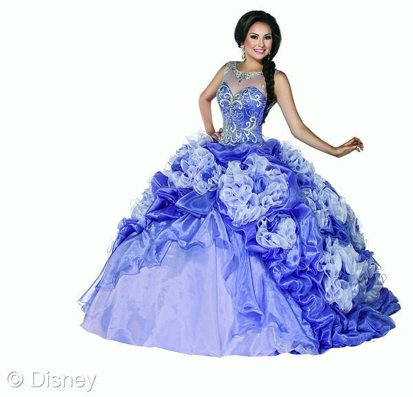 Rapunzel Disney Roya Ball dress // livingmividaloca.com