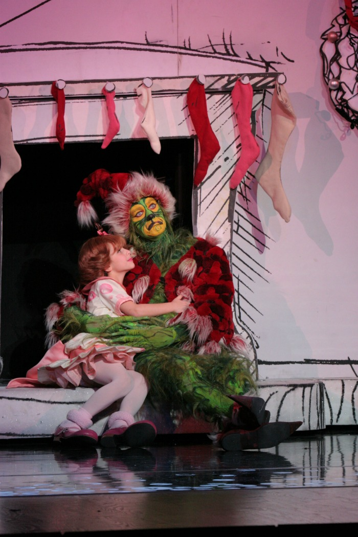 Dr. Seuss How the Grinch Stole Christmas The Musical // LivingMiVidaLoca.com