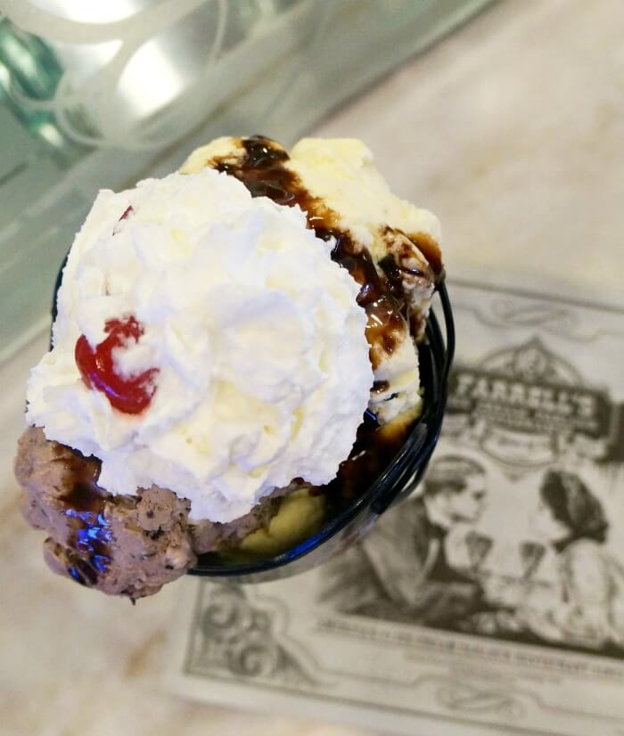 4th and Goal ice cream sundae