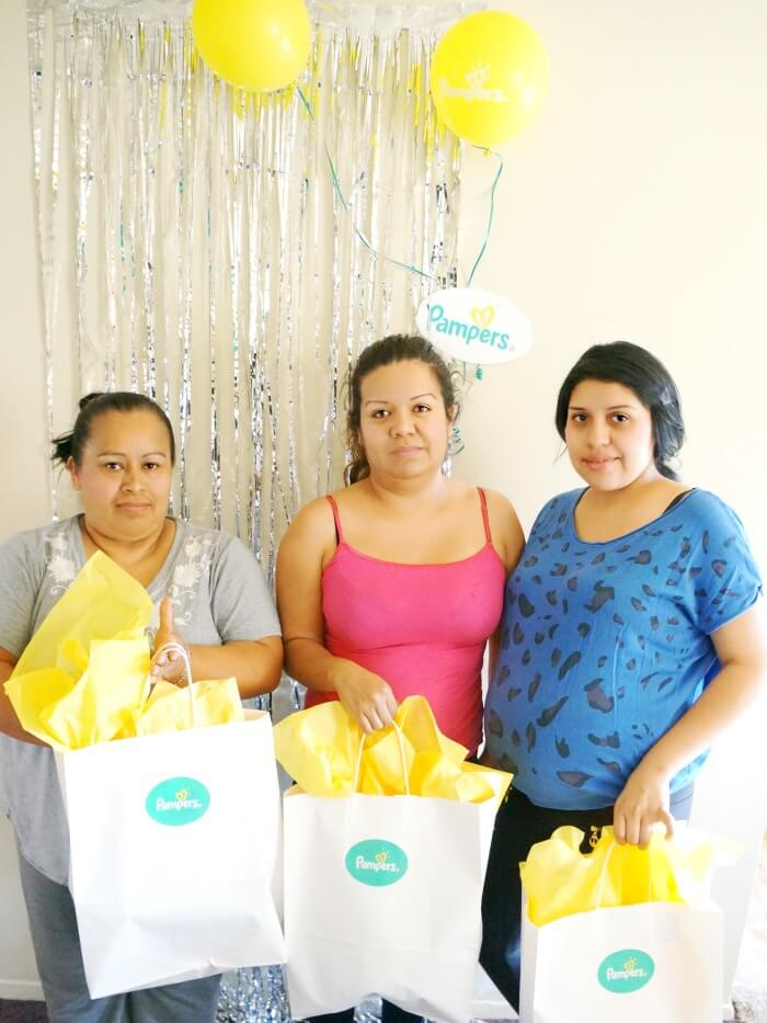 Moms get Pampers Gift Bags