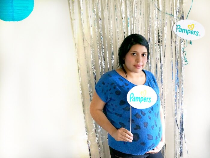 Pregnant Latina Mom loves Pampers