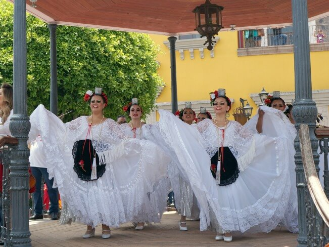 ballet folklorico dancers at Plaza Mexico