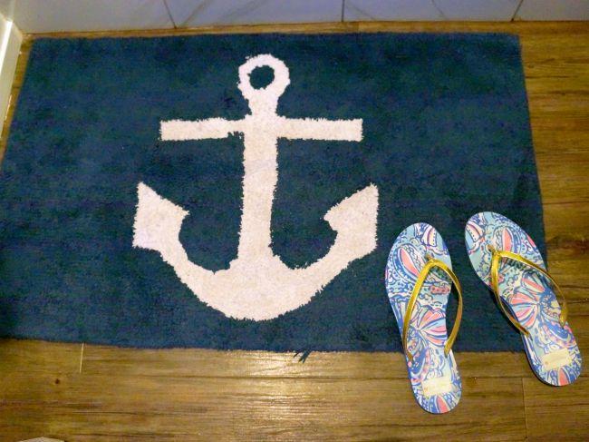 Bath mat anchor