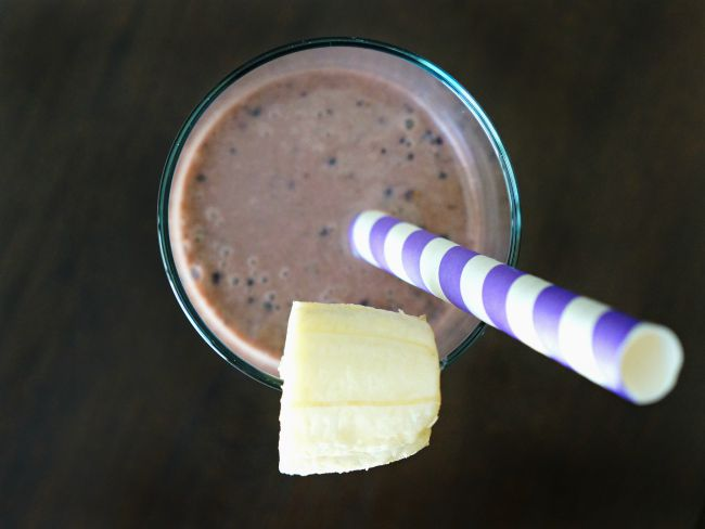 Chocolate blueberry peanut butter smoothie