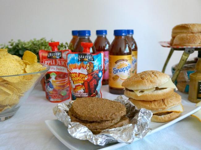 Burger bar for 4th of July - LivingMiVidaLoca.com