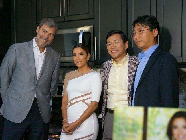 Eva Longoria and LG Executives