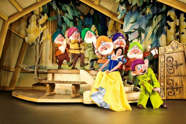 Snow White and the Seven Dwarfs on Disney on Ice
