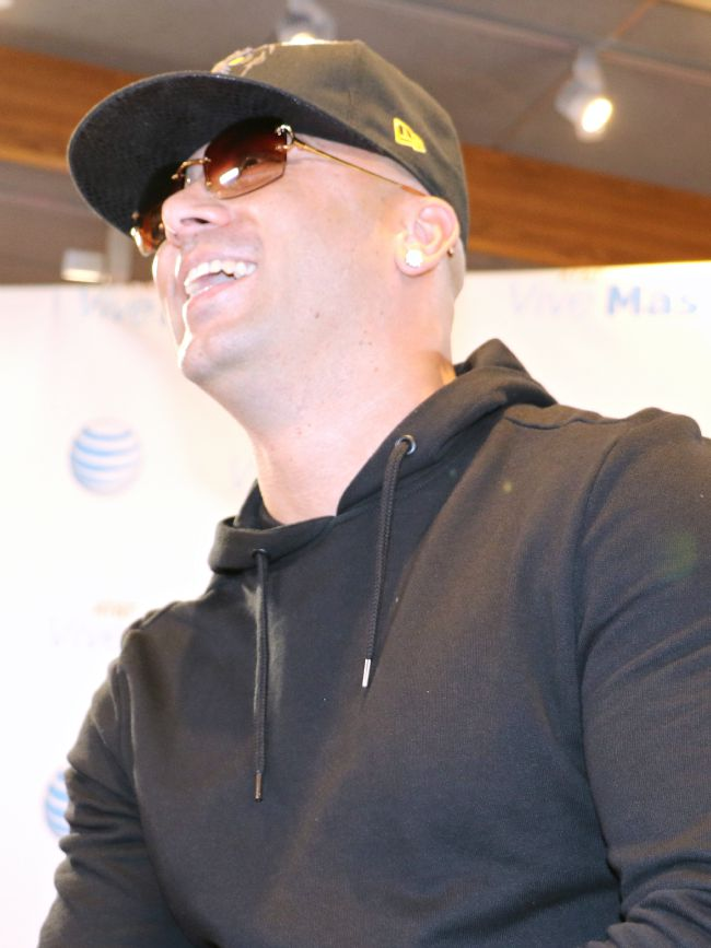 Wisin talks about new album