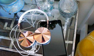 asus memo pad with headphones