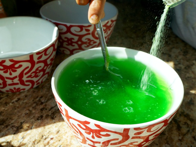 Add gelatin for water
