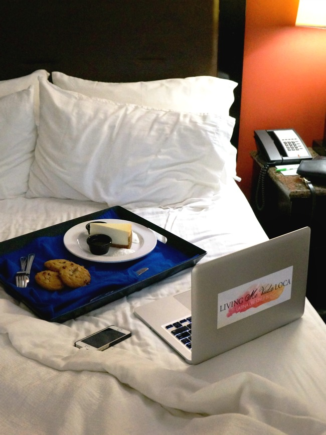 Cheesecake and cookies in bed