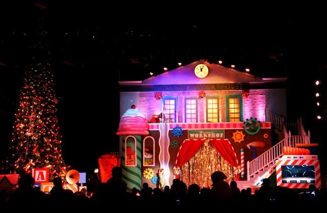 Christmas Tree lighting at Knott's Merry Farm