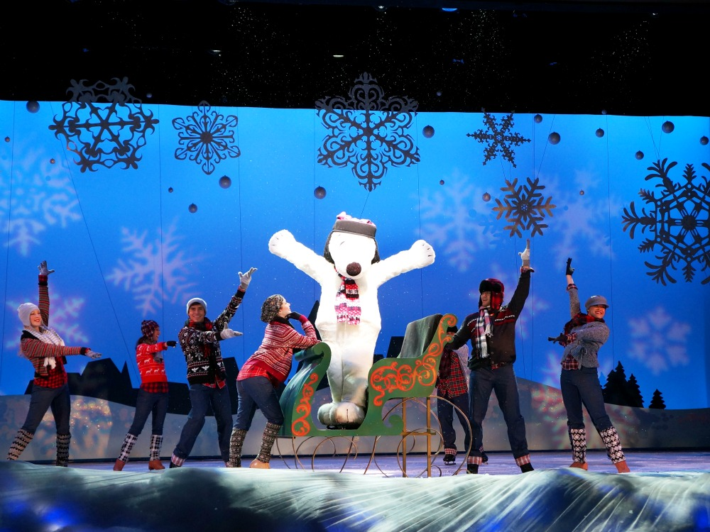 Merry Christmas, Snoopy ice skating show