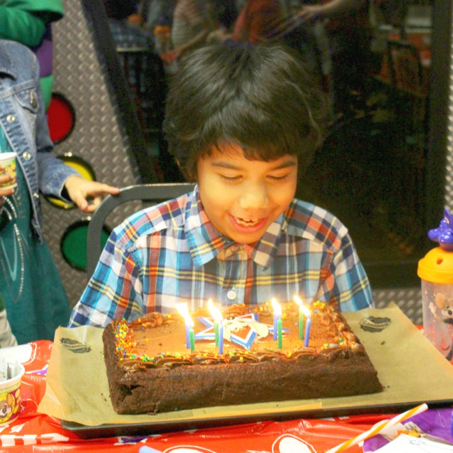 Can You Bring Your Own Cake To Chuck E Cheese