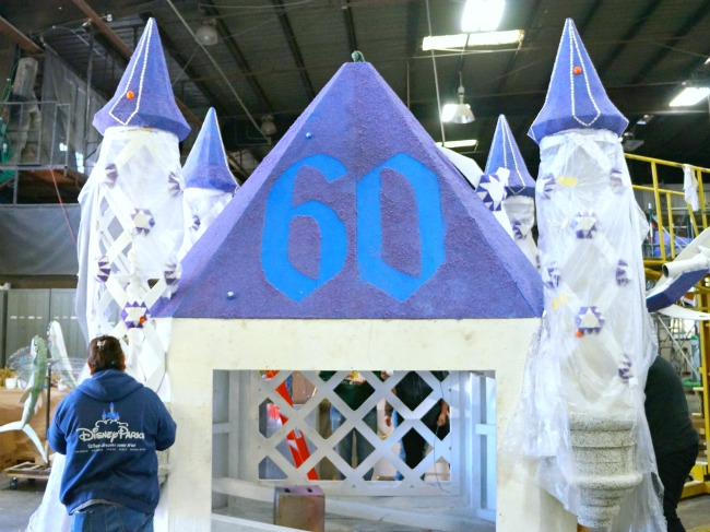 Disneyland Diamond Celebration float // livingmividaloca.com