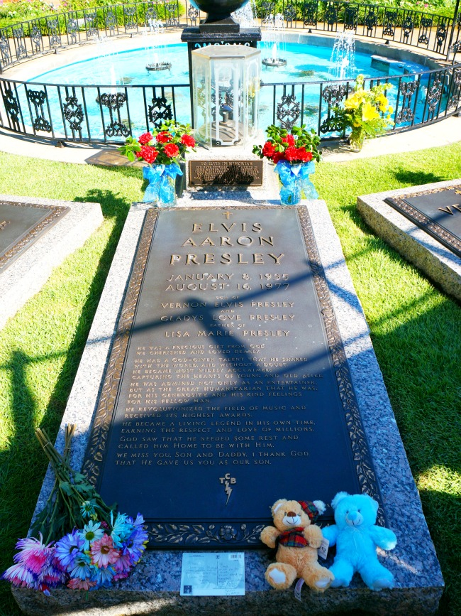 Tomb where Elvis Presley is buried