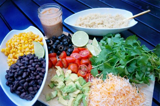 Burrito bowl served family style // livingmividaloca.com