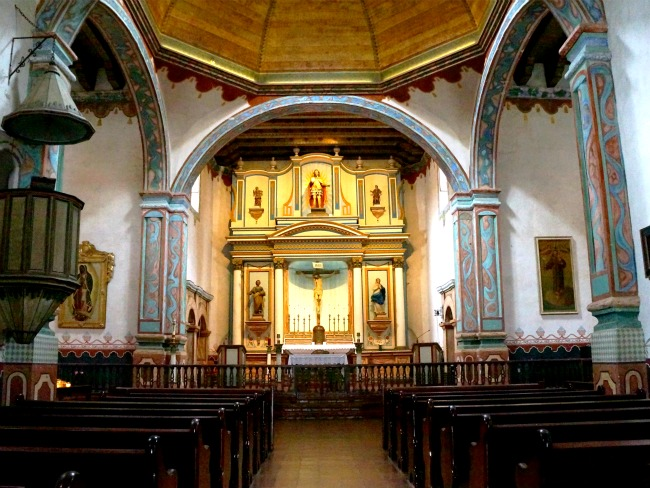 inside-mission-san-luis-rey-church