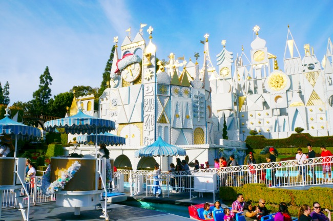 It's a Small World at Disneyland Christmas Time // LivingMiVidaLoca.com